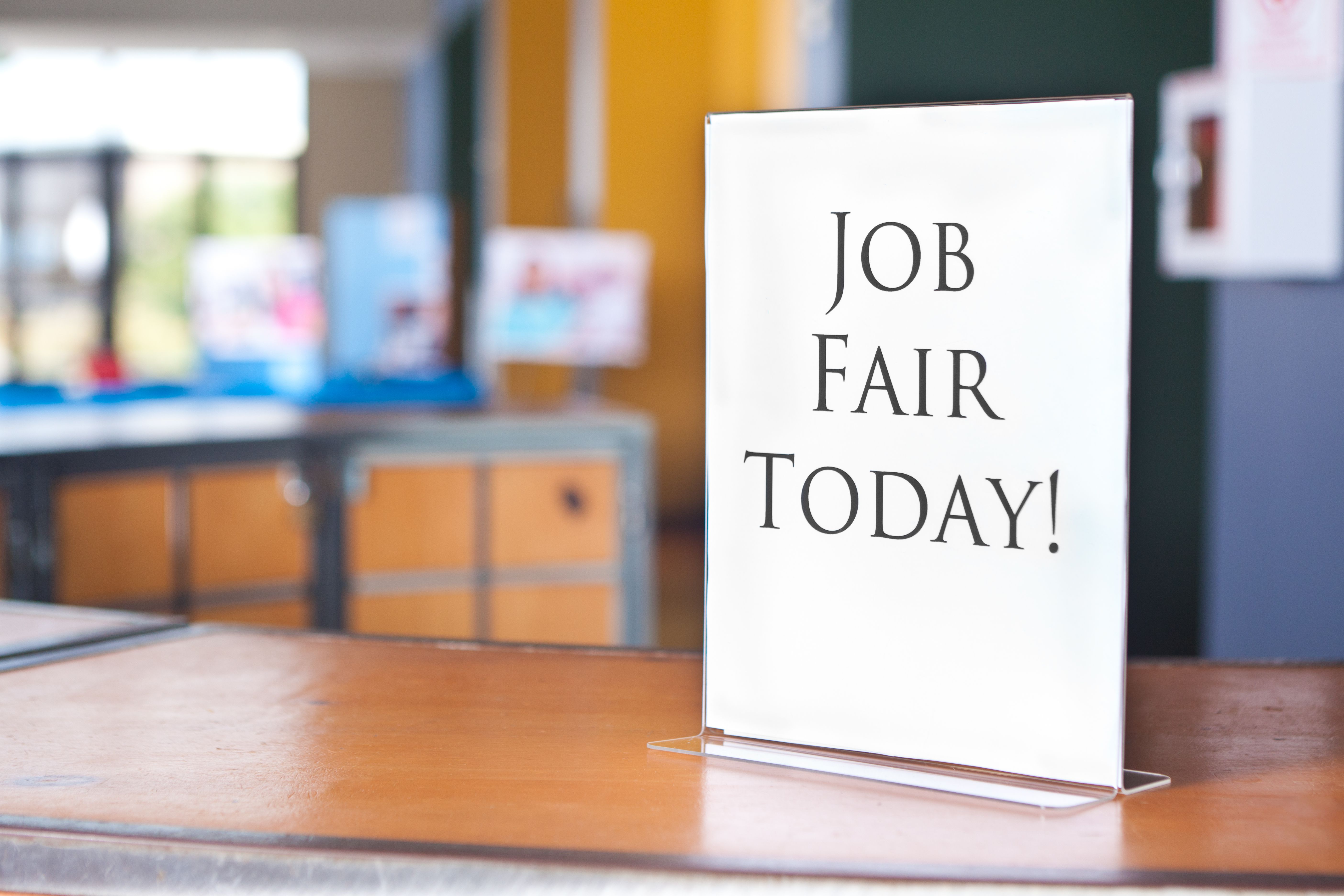 Attend a job fair to boost your job search find your dream job madrichimfo Gallery