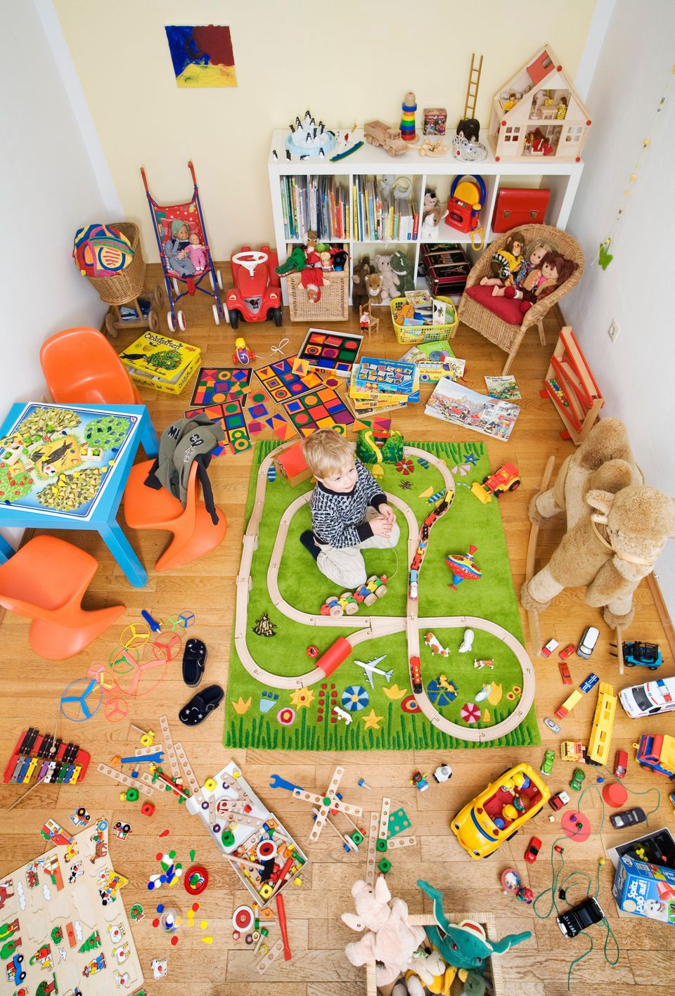 Get control over chaotic clutter