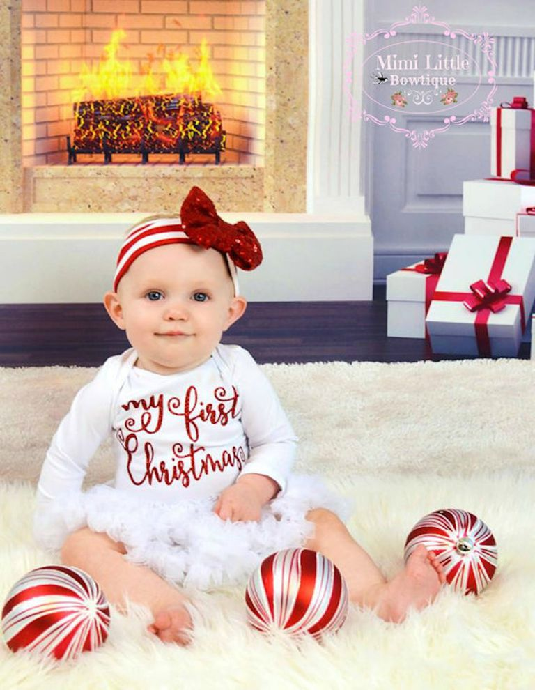 20 Adorable Baby\'s First Christmas Outfits