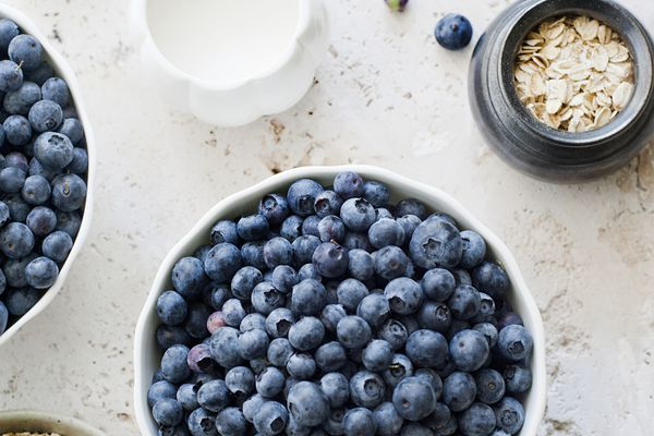 porridge oats and blueberries
