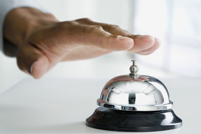 Ringing a bell as a conditioned stimulus