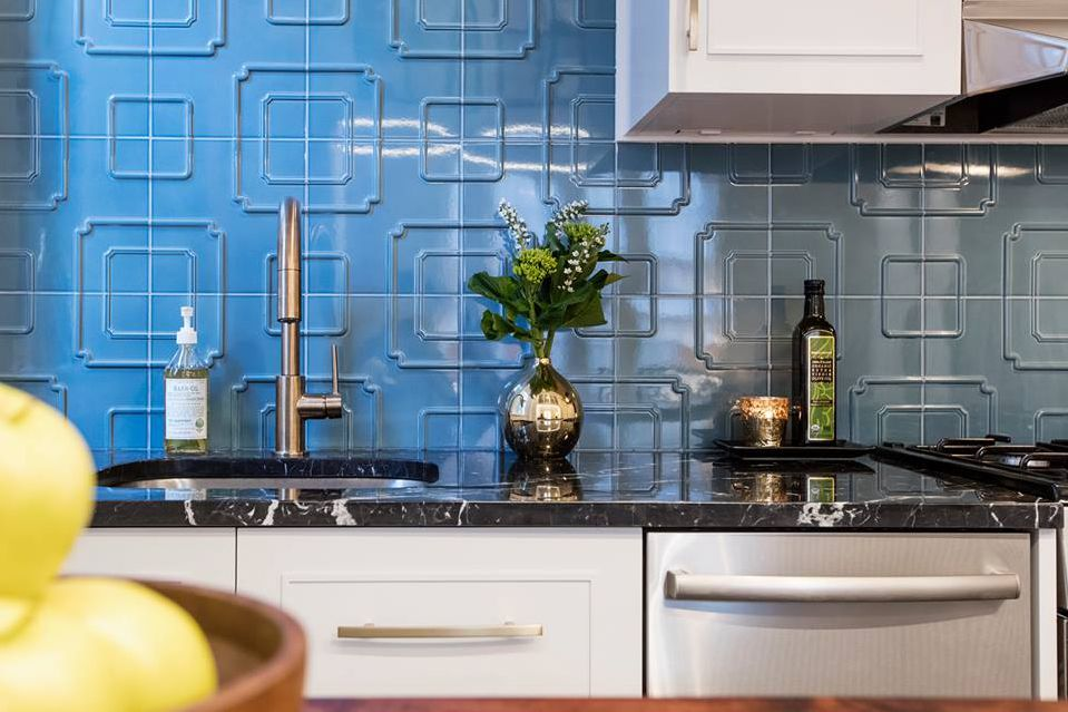 colourful ceramic tile backsplash for modern kitchen | Colorful and Modern Kitchen Backsplash Ideas
