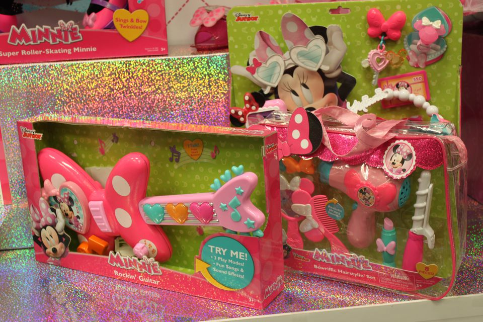 Minnie's Rockin' Guitar and Bowrific Hairstyling Set