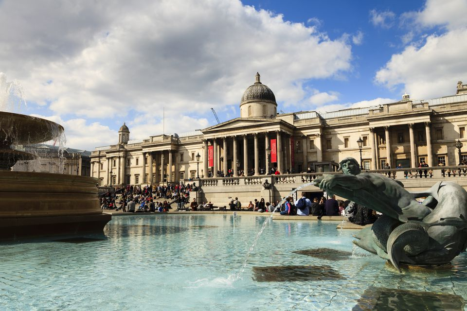 Tourists by The National Gallery, Trafalgar Square