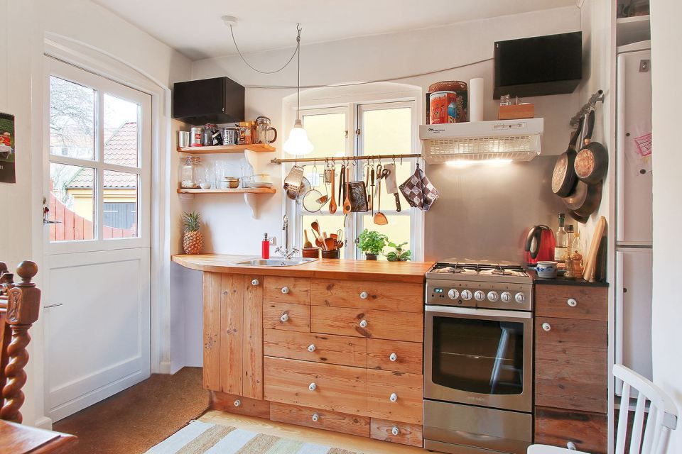 ideas for a small kitchen space 10 space hacks for small kitchens 26934