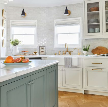 Small kitchens basics layouts and design tips for Basic kitchen remodel ideas