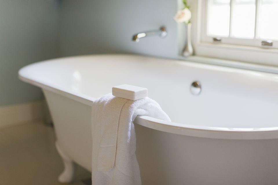 Generous Acrylic Tubs Pros And Cons Ideas - Bathroom with Bathtub ...