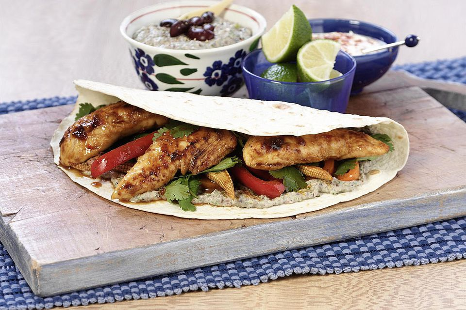 Chicken fajitas with refried beans