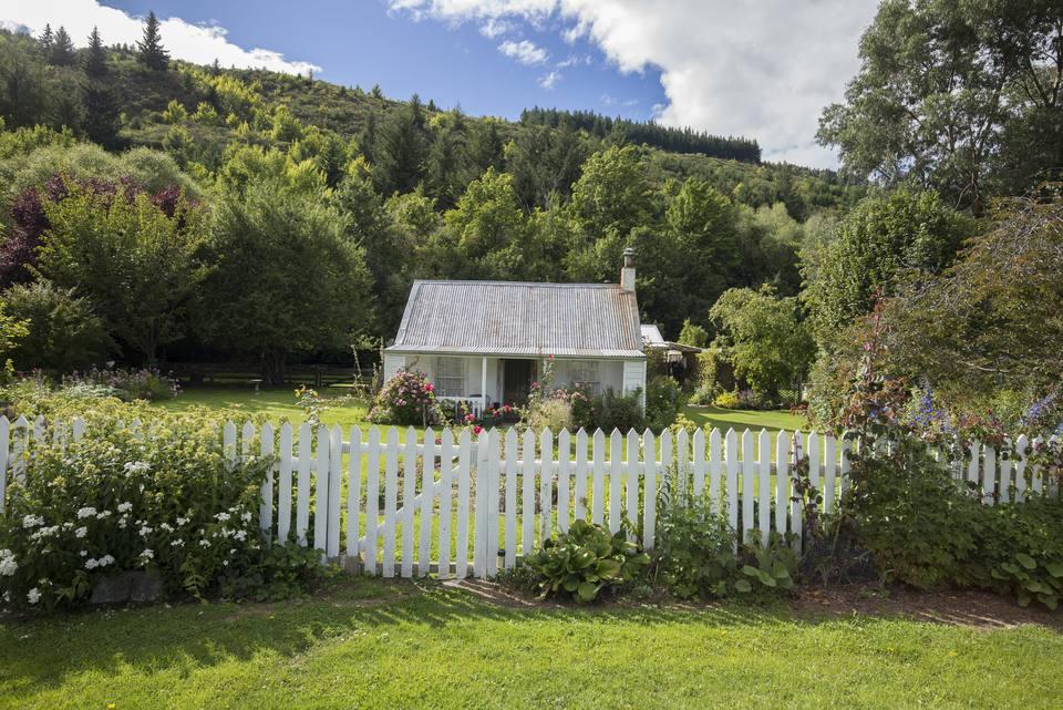 Cottage gothic picket fence
