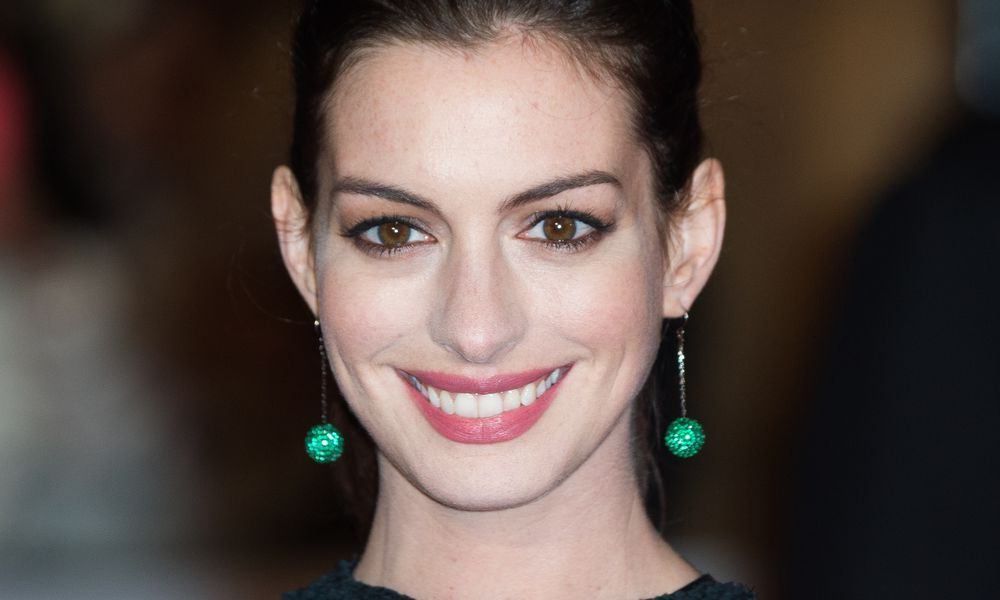 Anne Hathaway Pregnant and Expecting in 2016