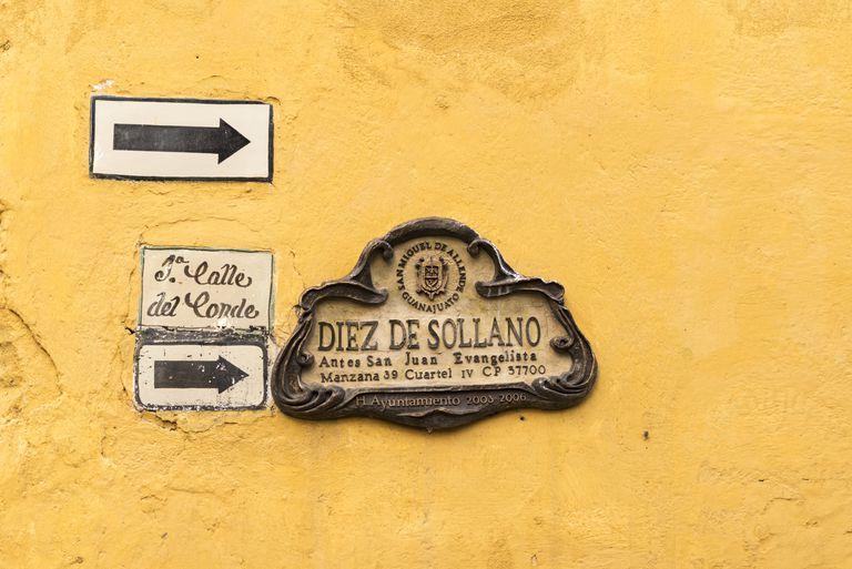 Signage in San Miguel de Allende, Mexico