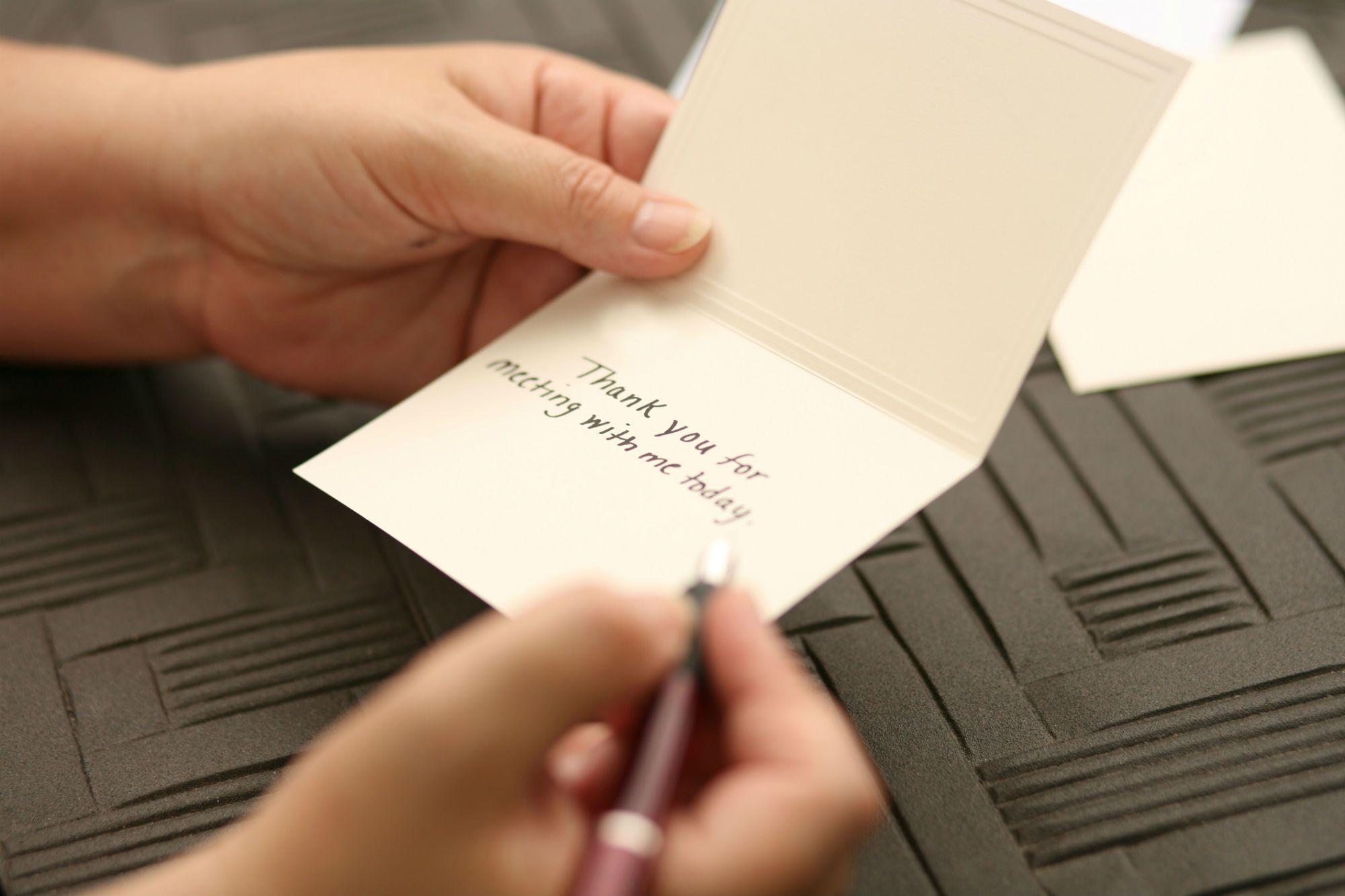 How to Write a Thank You Note to a Customer