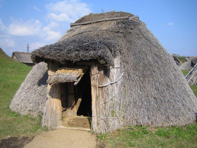 Reconstructed Pit Dwelling, Sannai Maruyama