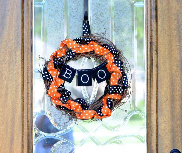 DIY Boo Bunting Wreath