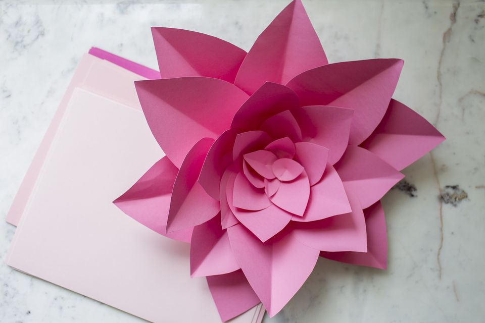 how to make large paper flowers
