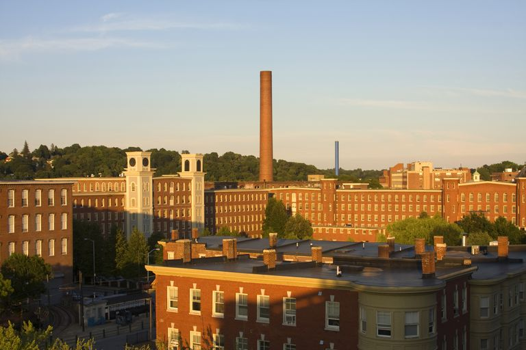 Lowell, Massachusetts factories transformed by Smart Growth urban planning