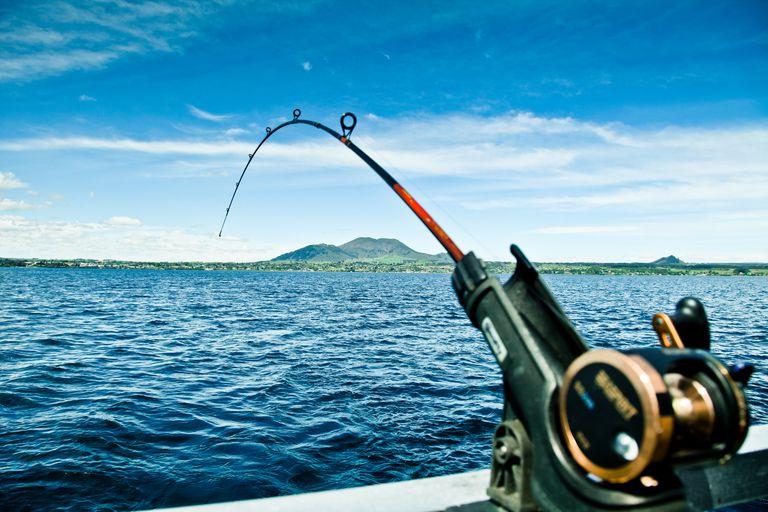 A fishing rod trolling in the oceam