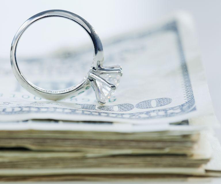 ¿Cuanto cuesta casarse? En promedio 100 dólares por persona.