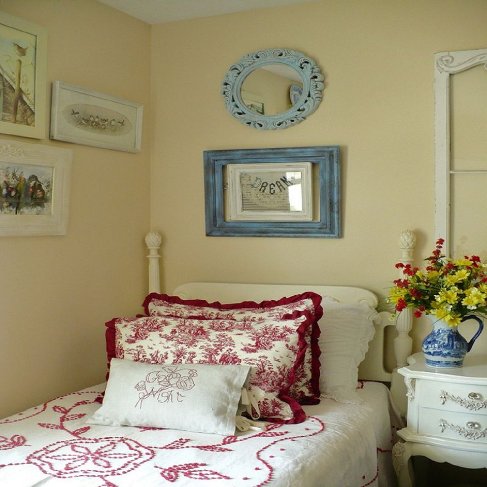 Decorating With A Triadic Color Scheme In The Bedroom