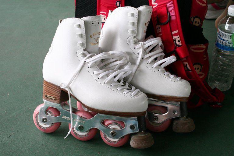 Snow White Inline Figure Skates