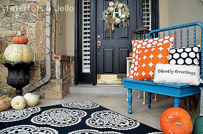 polka dot pillow front porch - Front Porch Decorating Ideas