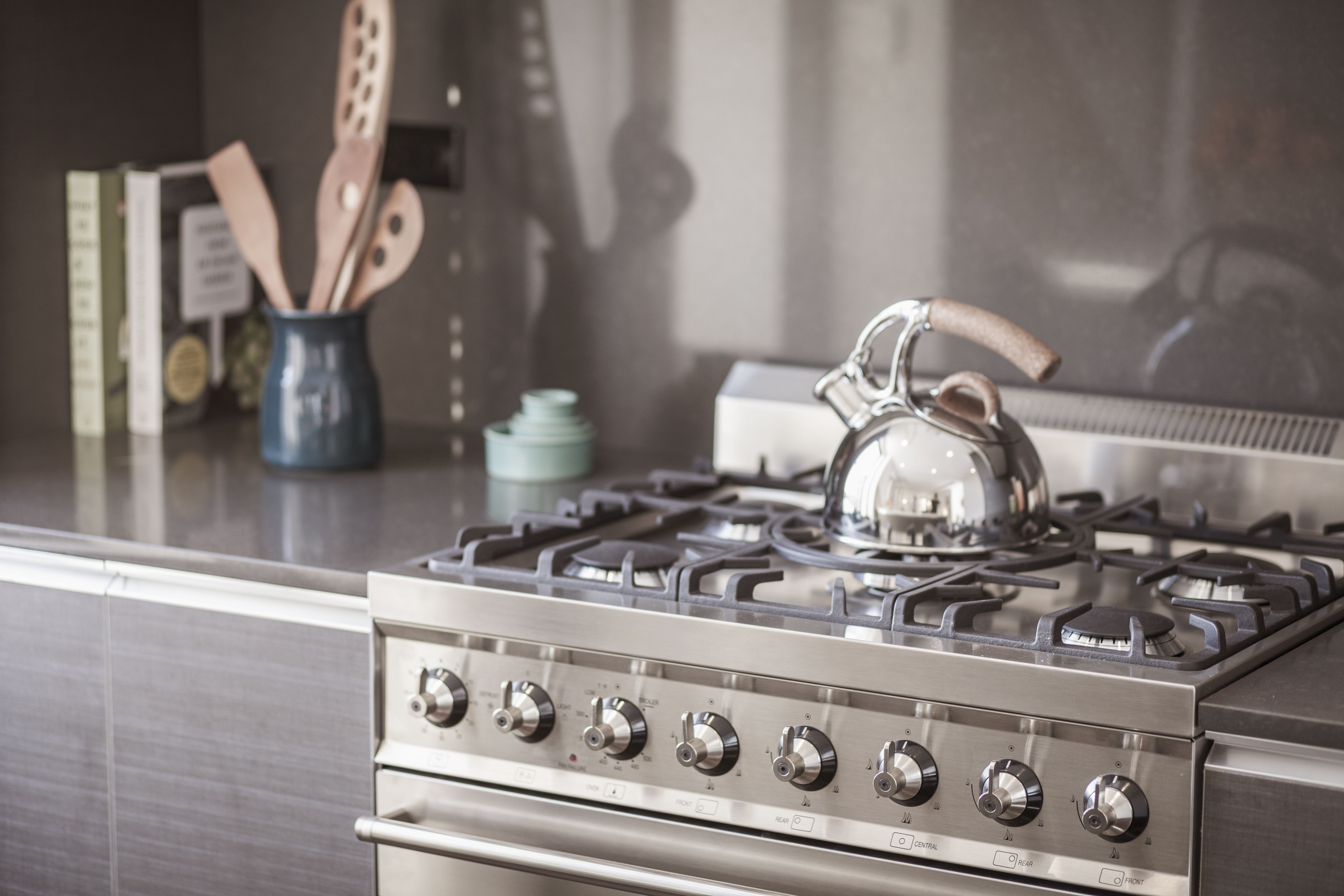 How To Clean a Cooktop