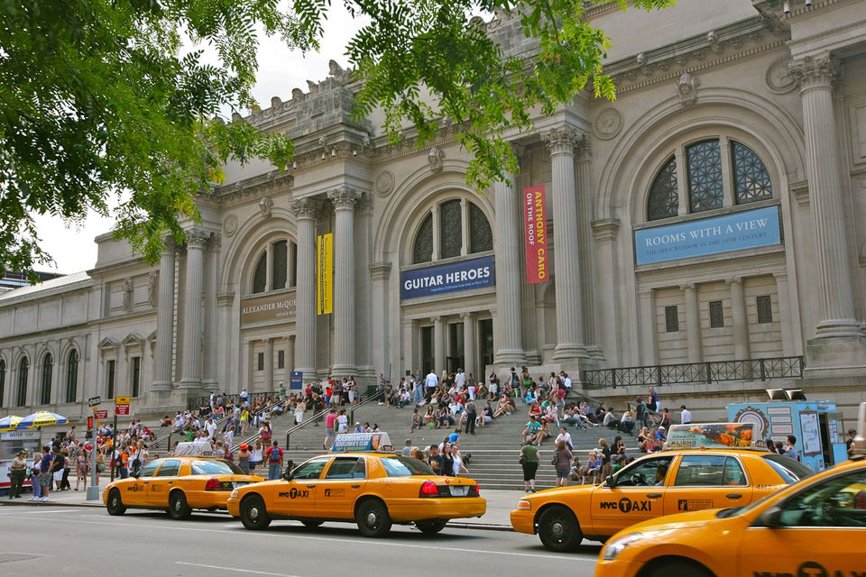 an overview of the metropolitan museum of art in new york city Shutterstock the metropolitan museum of art in new york city is one of the biggest and most beautiful places to see art in america.