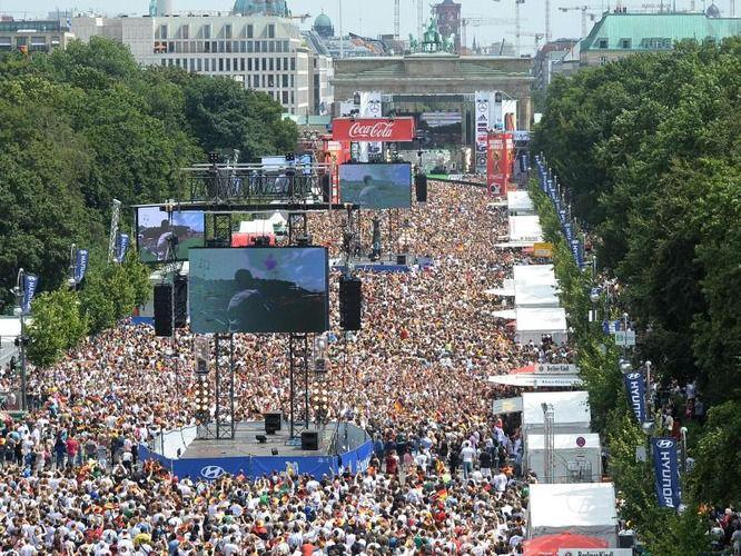 Fan Mile in Berlin