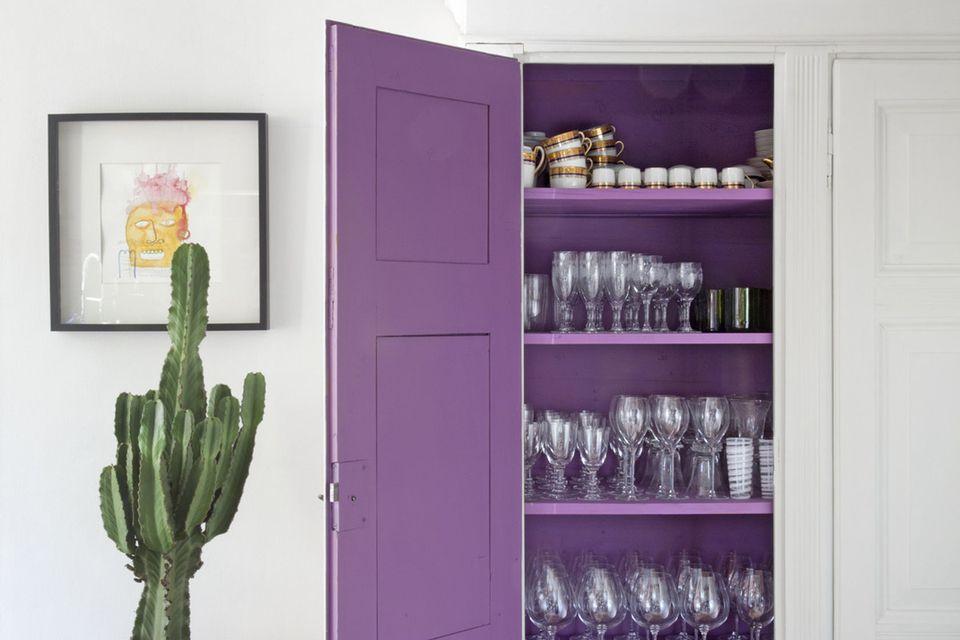 ultra violet kitchen cabinet