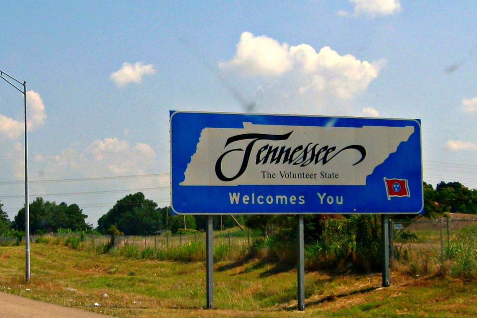 Tennessee Welcomes You highway sign