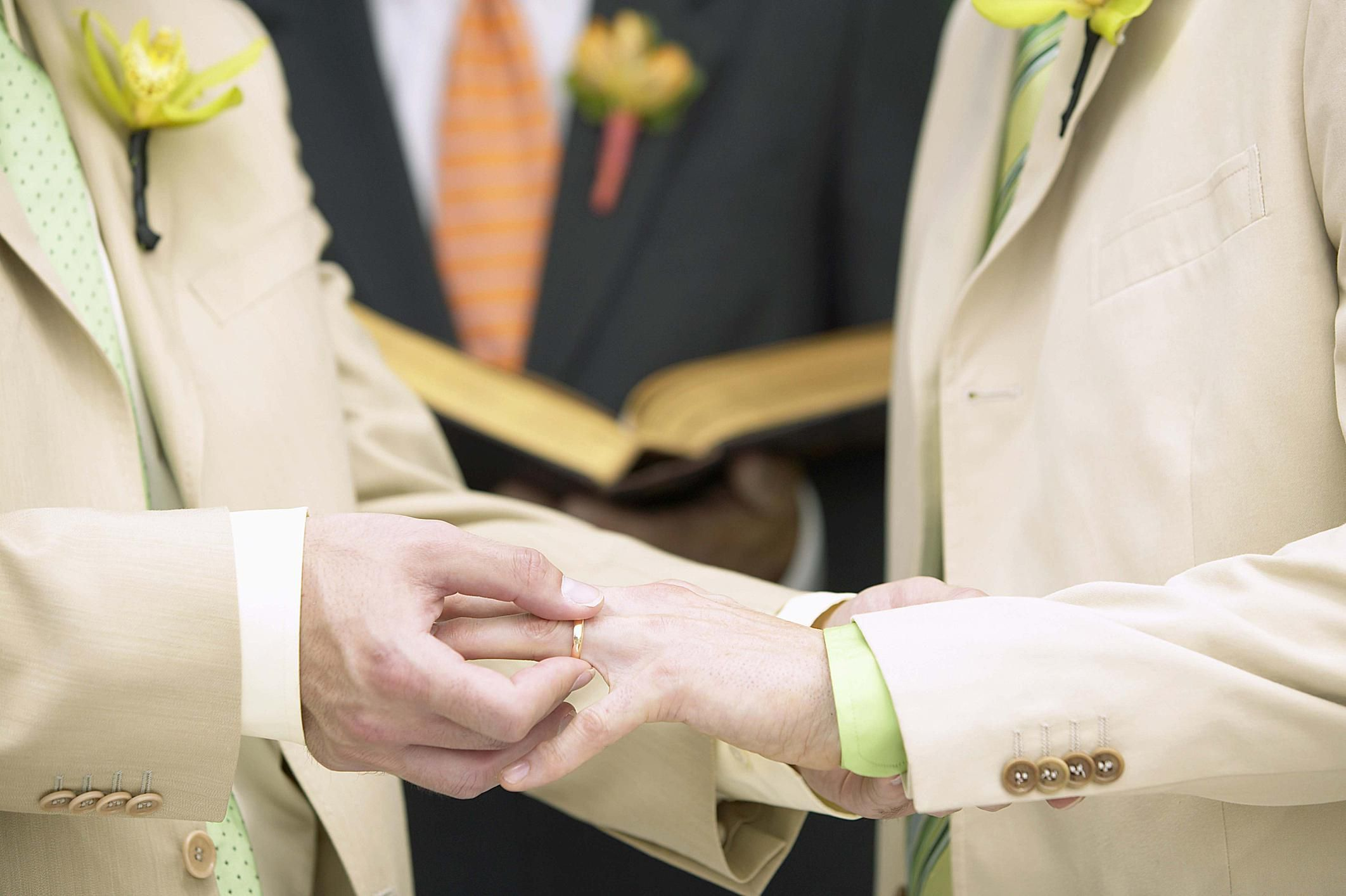 Who Should Officiate Our Commitment Ceremony Weddings