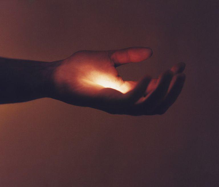 healing light hand