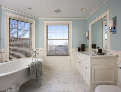 Small Bathroom Photos & Ideas