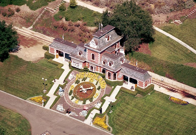 Detailed aerial view, Neverland Valley Ranch, Michael Jackson, 2001 in Santa Ynez, California