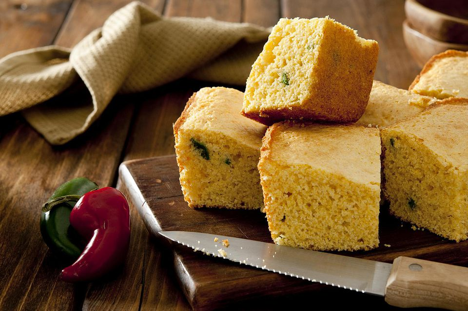 Fresh corn bread with jalapeno peppers