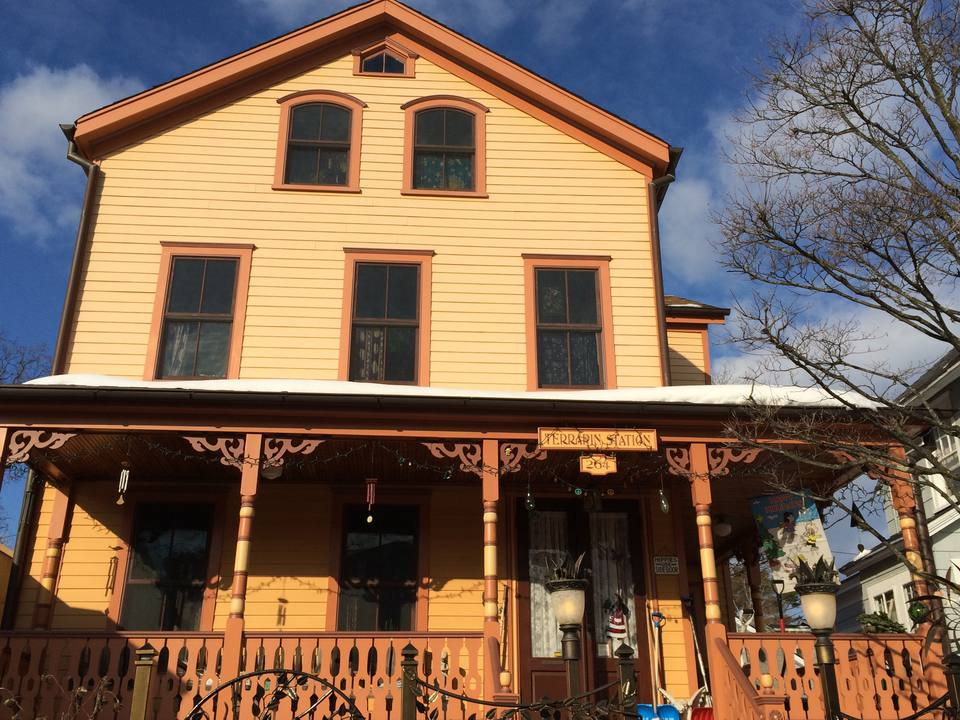 victorian home in Sea Cliff NY