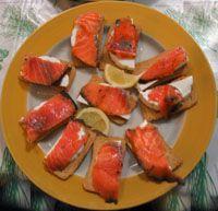 Salmon Ahumado con Queso Blando - Smoked Salmon with Cream Cheese
