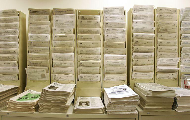 Tax Preparers Work Night Shift As Tax Deadline Nears
