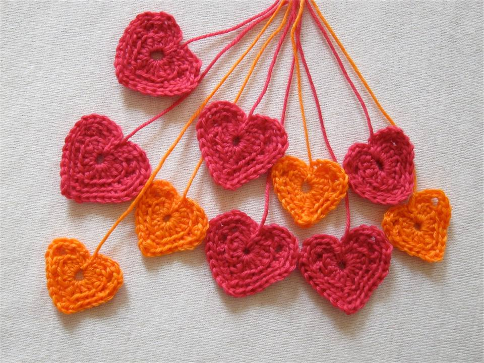 10 crochet heart patterns for valentines day dt1010fo
