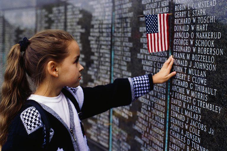 Young girl visiting Vietnam Veterans Memorial