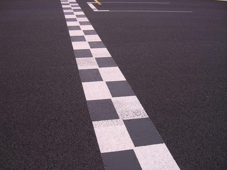 race track divider line