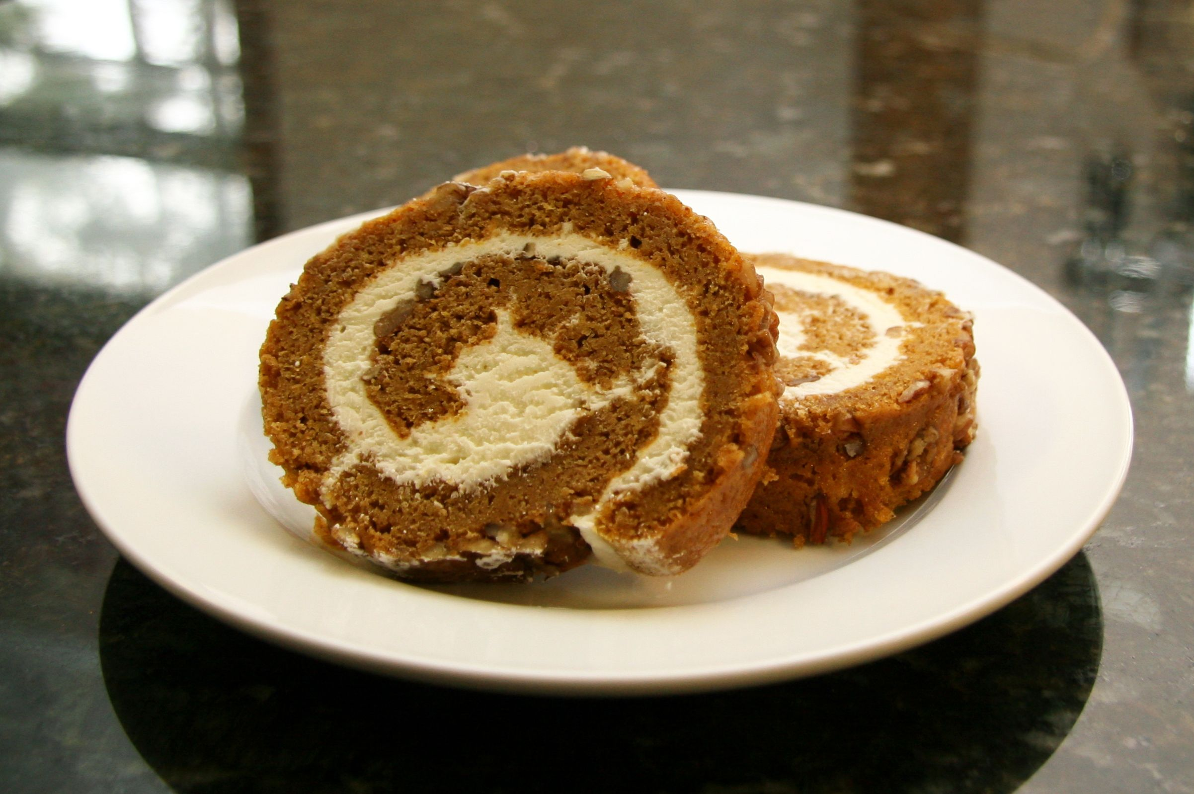 Pumpkin Roll Cake With Cream Cheese Filling