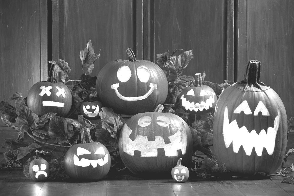 Jack-o-Lanterns to show pumpkin carving ideas
