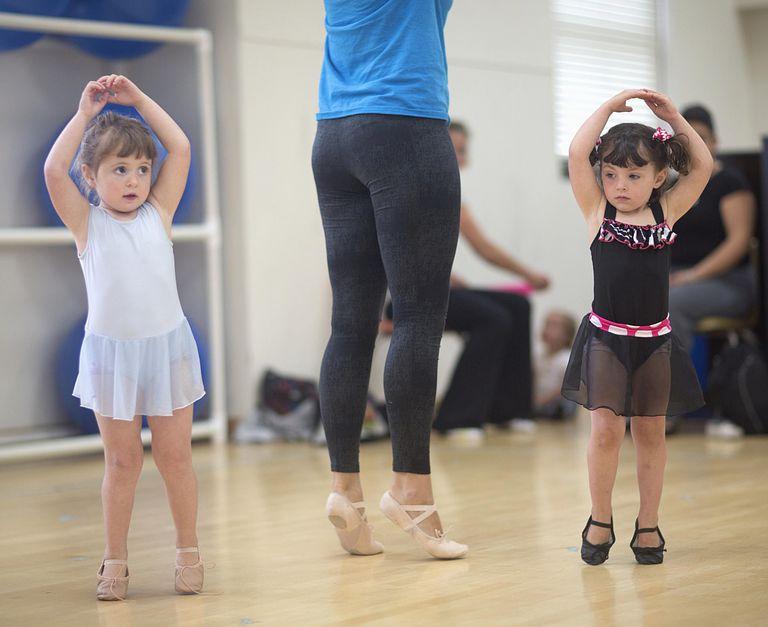 El baile aporta mucho al desarrollo de los niños.