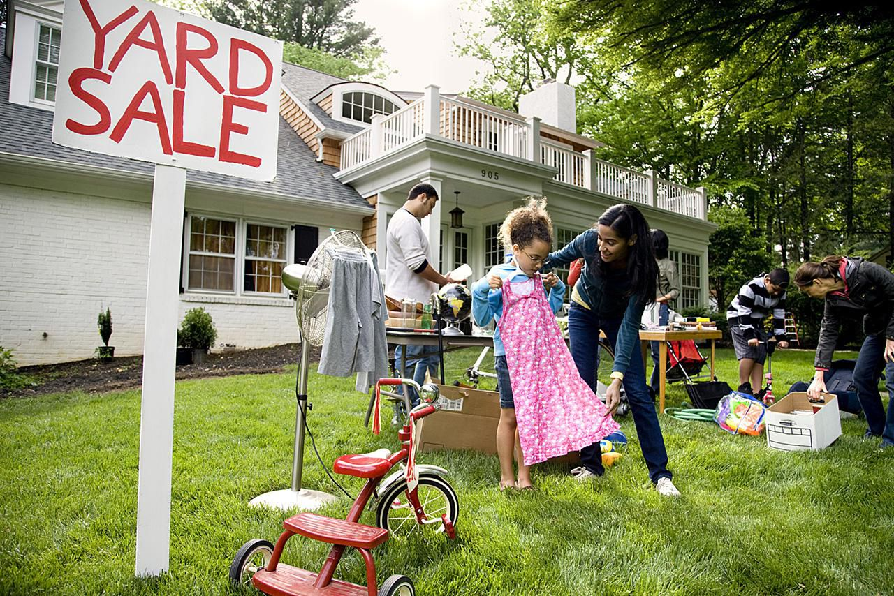 Learn how to host the very best garage sale ever - Have An Organized And Stress Free Yard Sale