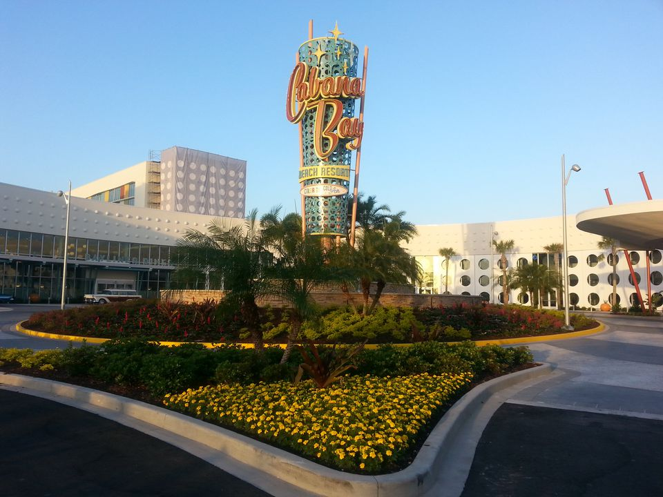 Cabana Bay Beach Resort Exterior Sign