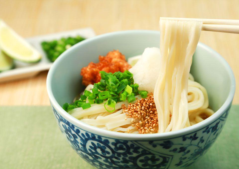 A bowl of bukkake udon