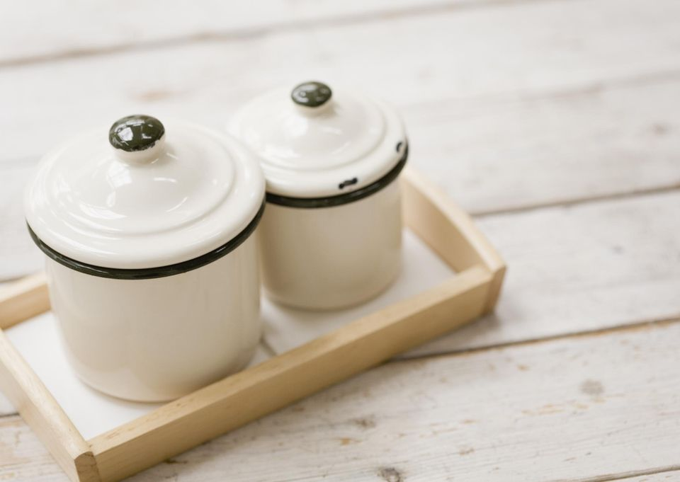 Enamel containers