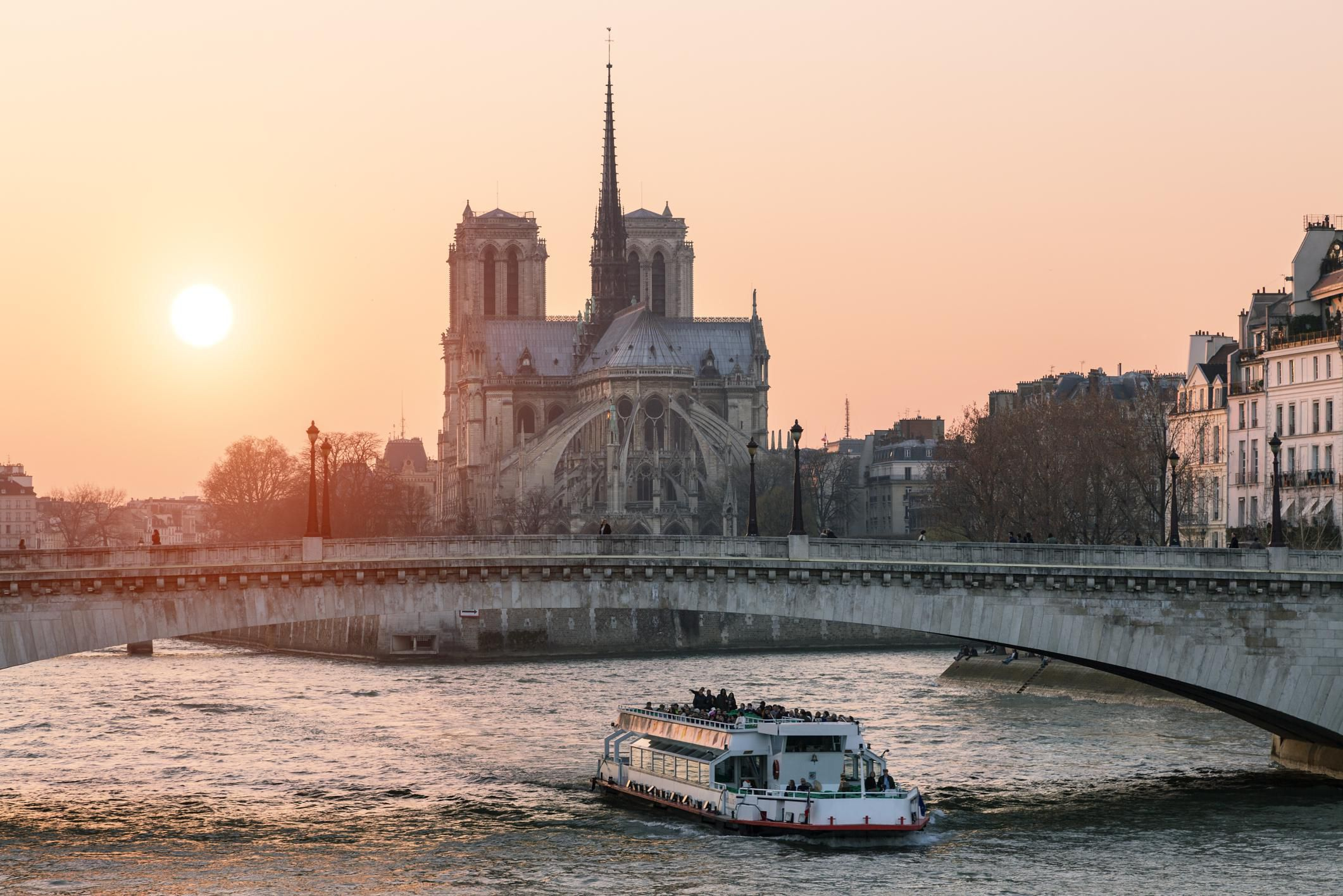 Best Boat Tours of Paris: Find Your Perfect Seine River Cruise