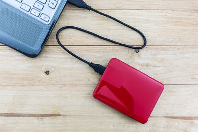 how to wipe a hard drive without plugging it in